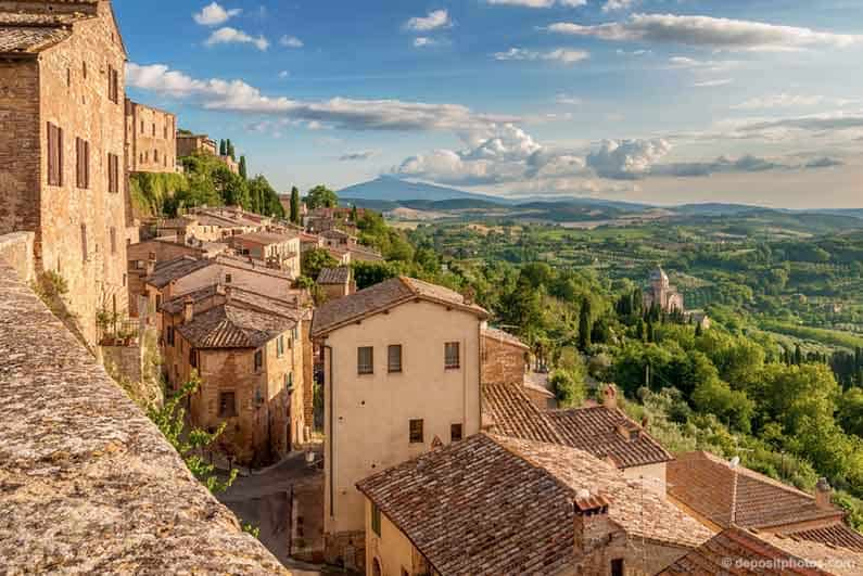 Best Places to stay in Tuscany Image of Montepulciano town and countryside