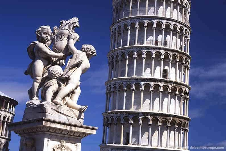 Image of Leaning Tower of Pisa and statues