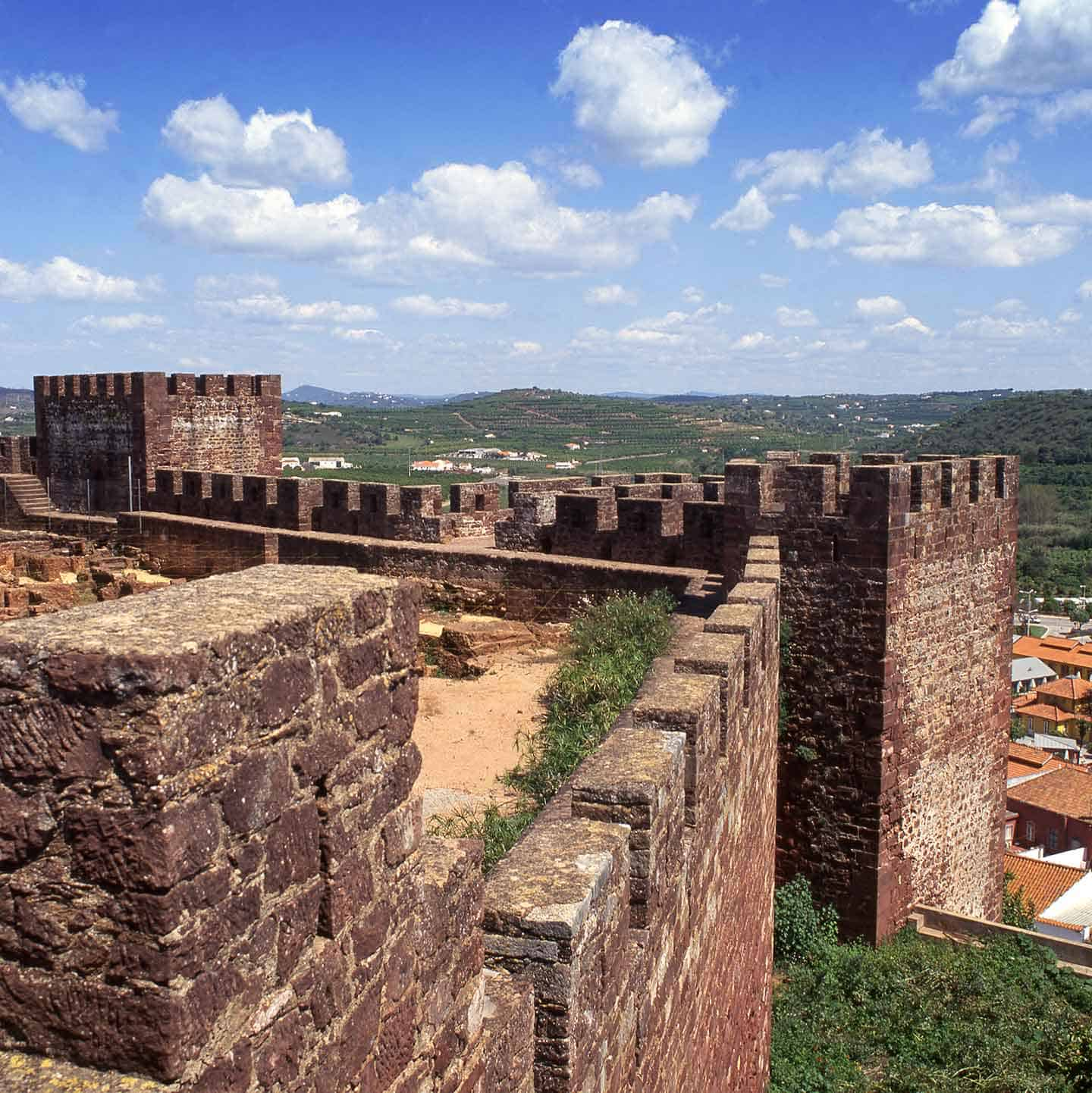 Image of Silves castle in Algarve Portugal
