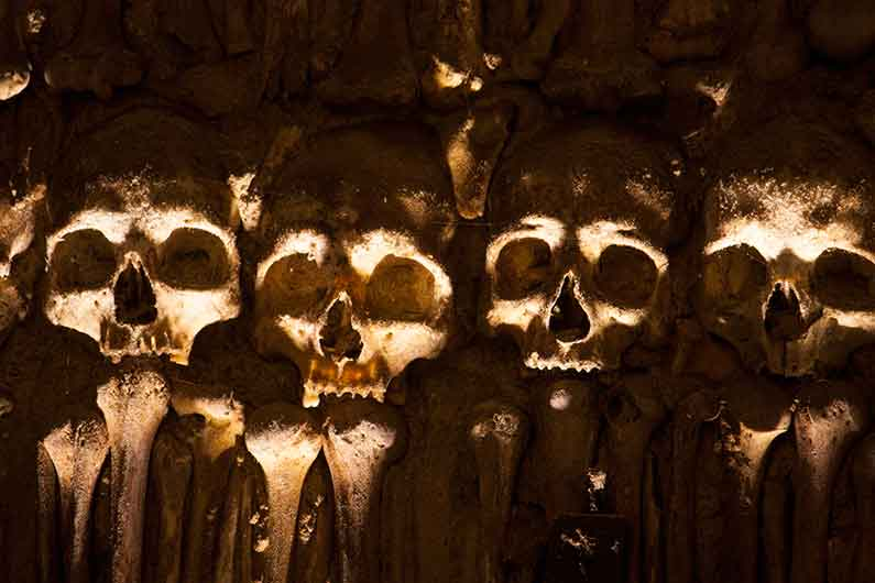 Image of skulls in the Chapel of Bones in Évora