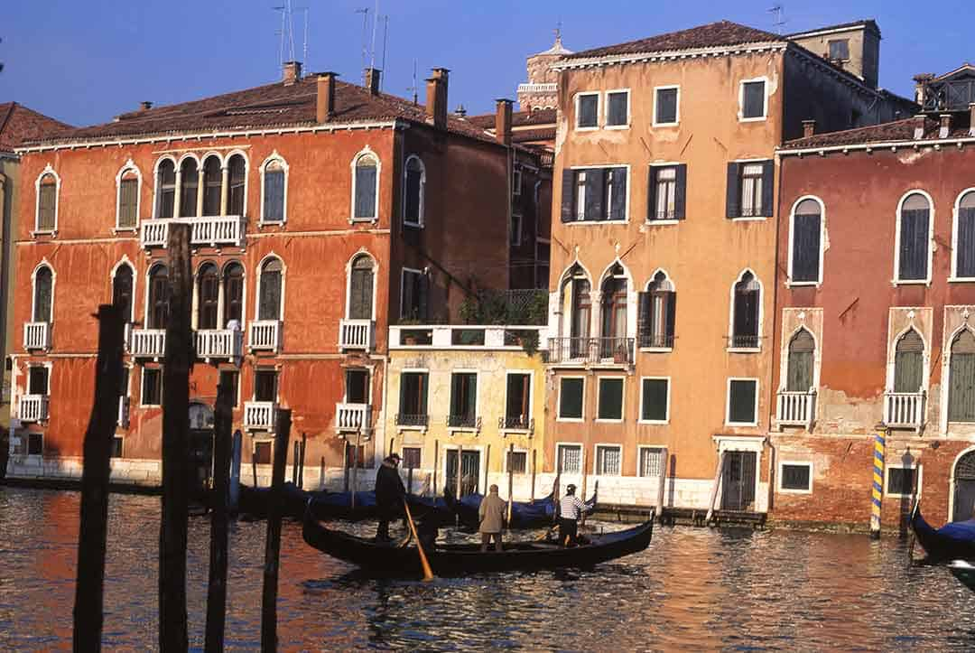 Image of a traghetto, or gondola ferry - crossing the Grand Canal