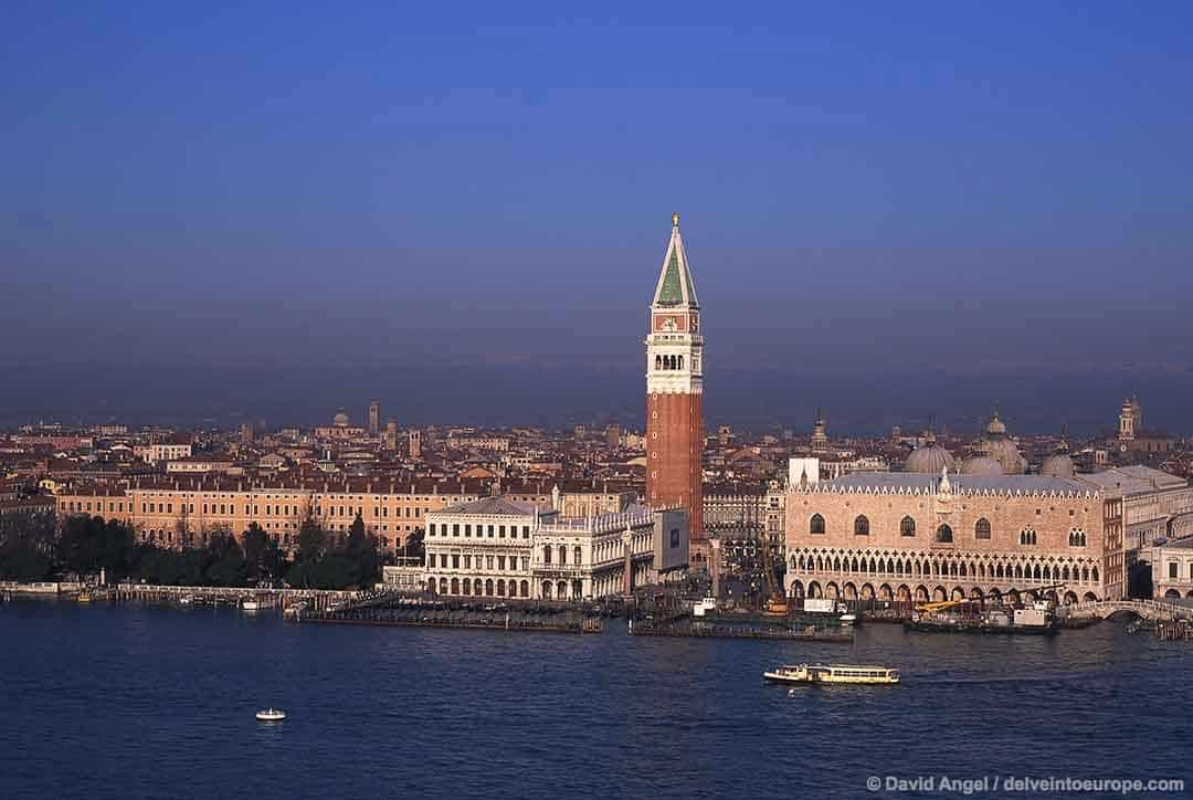 Image of Venice city from San Giorgio Maggiore tower