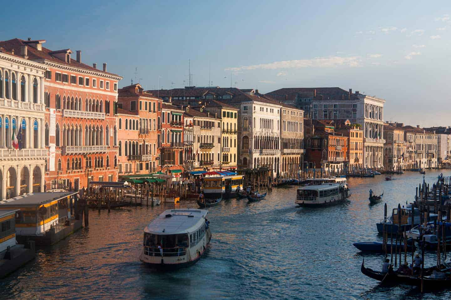 2-day-itinerary-venice-image of the Venice Grand Canal