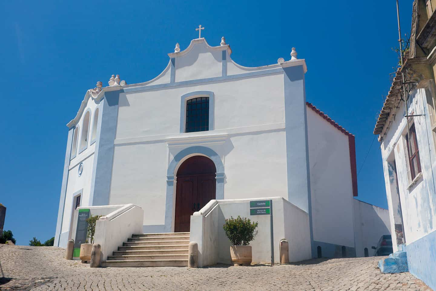 Best towns in Algarve Image of church in Aljezur
