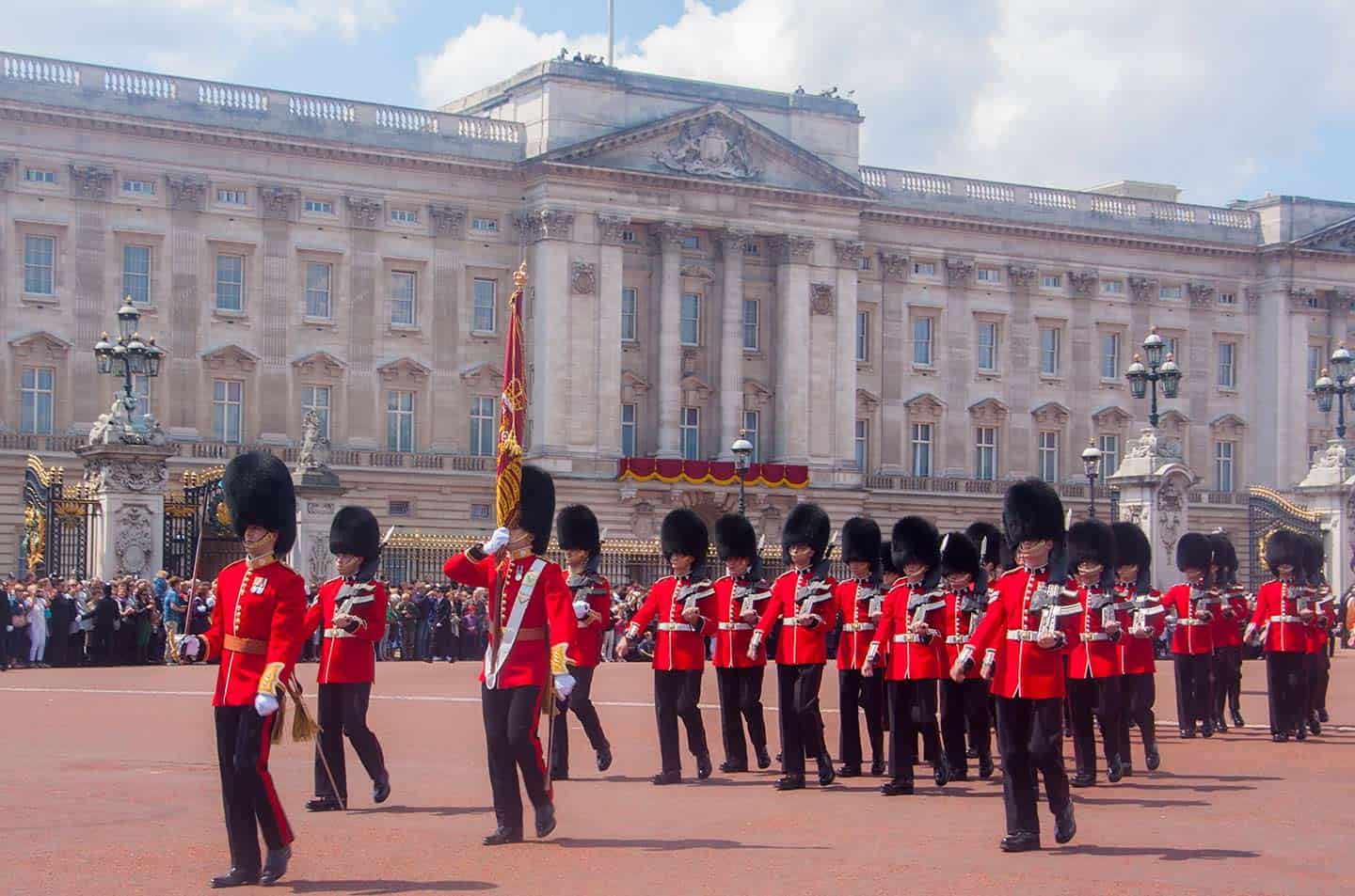 Image of the Changing of the Guard ceremony at Buckingham Palace, London