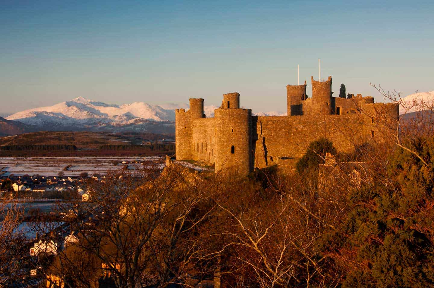 Image of Harlech Castle in the snow