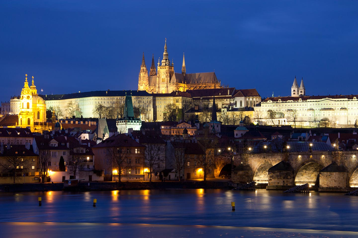 Image of Prague Castle and St Vitus' Cathedral at night