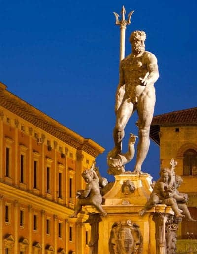 things-to-do-in-bologna-neptune-statue