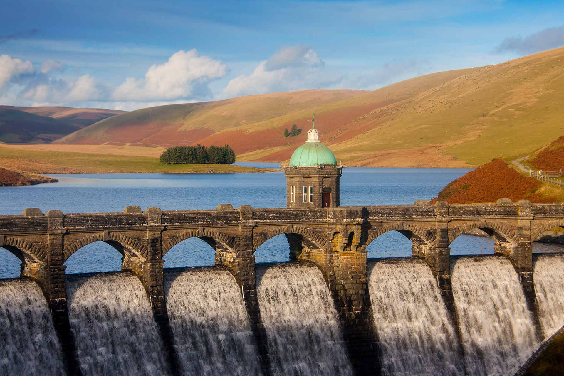 Image of Craig Goch dam in the Elan Valley in autumn