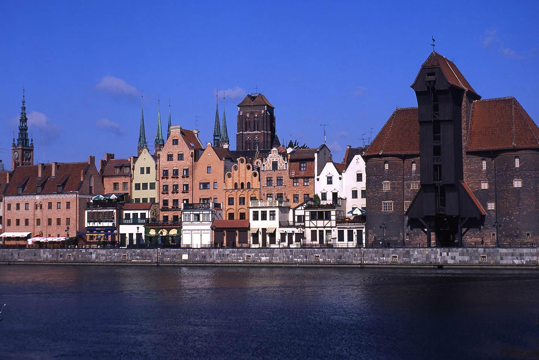 Image of the Gdańsk Crane and medieval city skyline, Poland