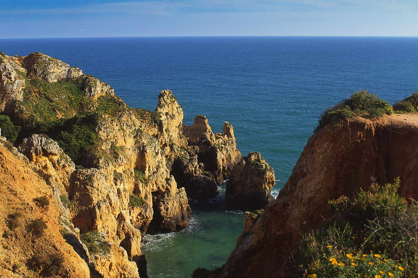 Image of spectacular rock formations at Ponta da Piedade, Lagos