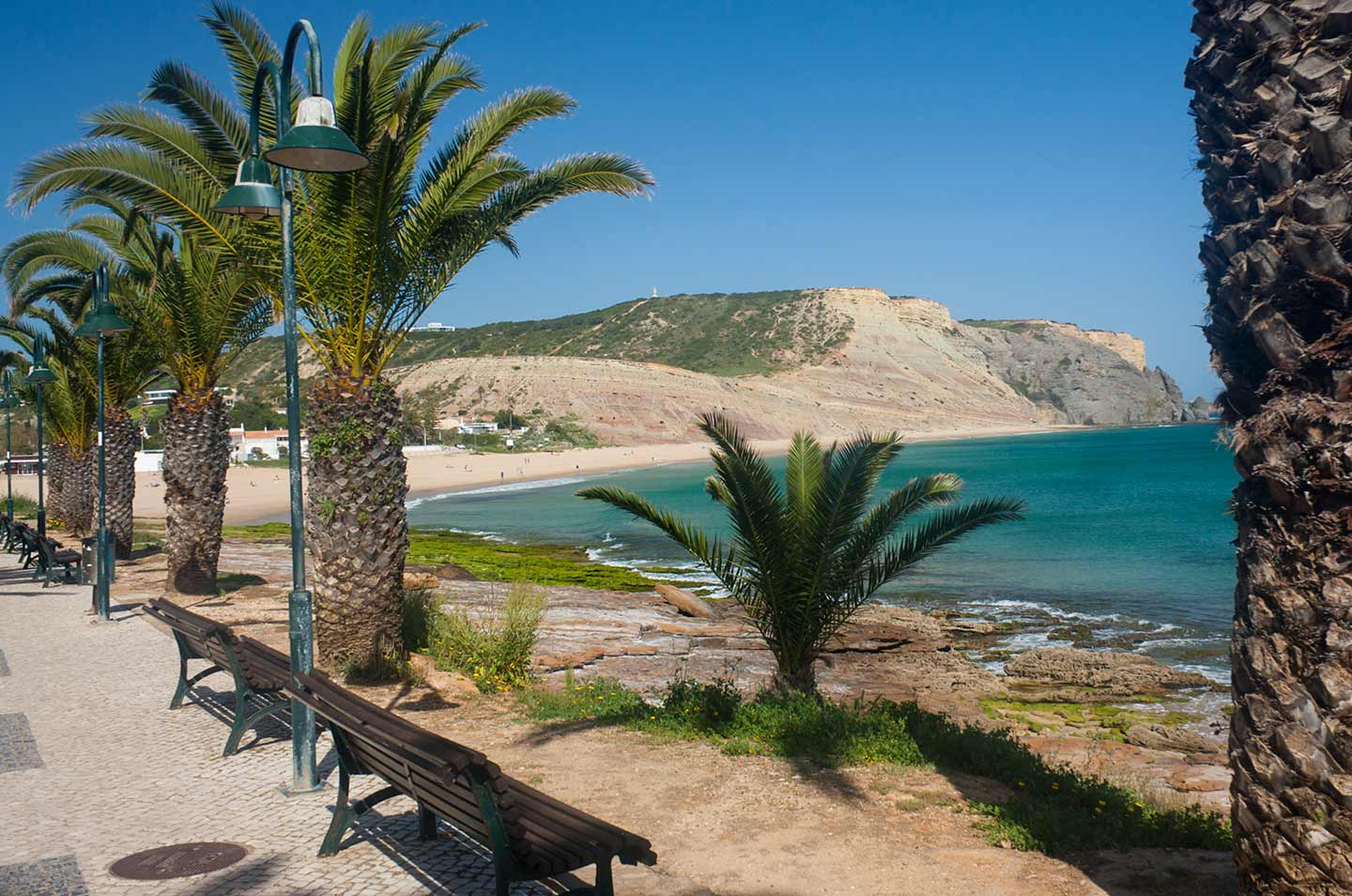Image of Praia da Luz beach on the Algarve