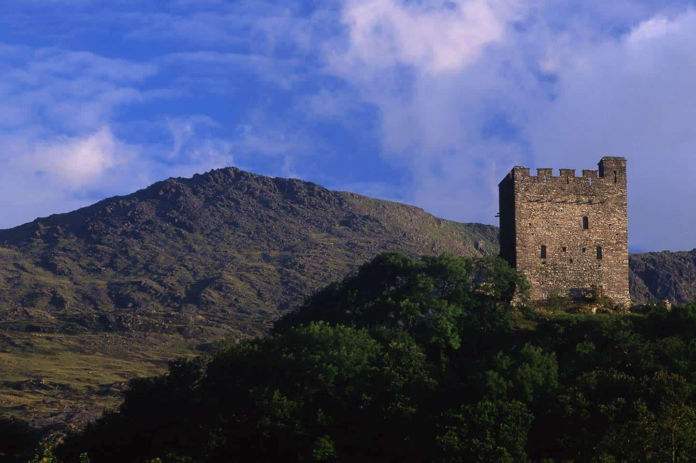Image of Dolwyddelan Castle and Moel Siabod