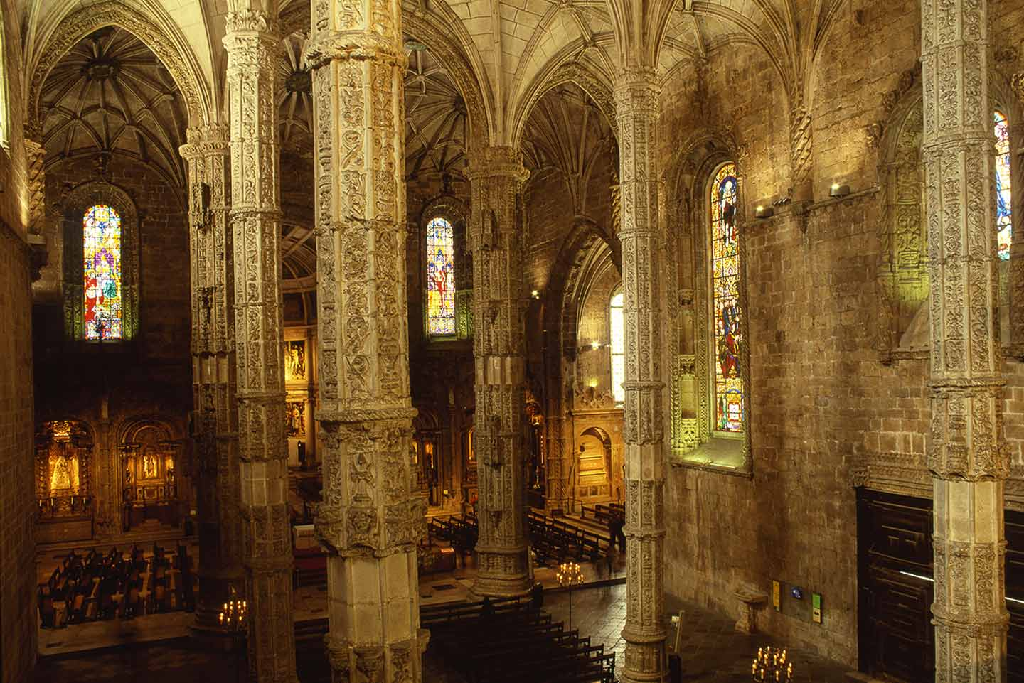 Image of the interior of the Mosteiro dos Jeronimos church in Belem