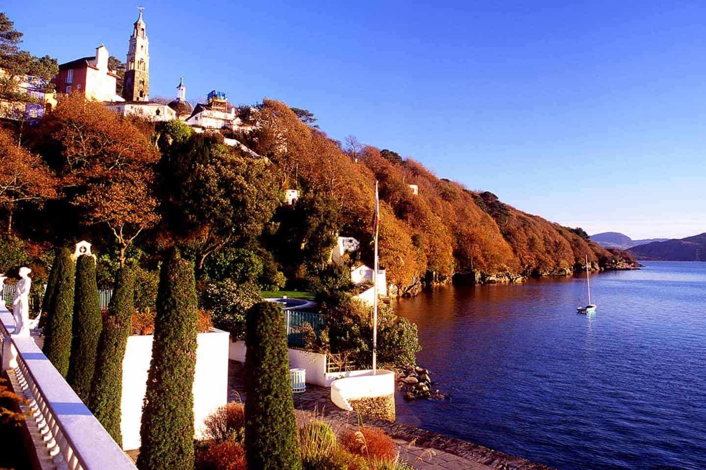 Image of autumn sunrise and colours at Portmeirion