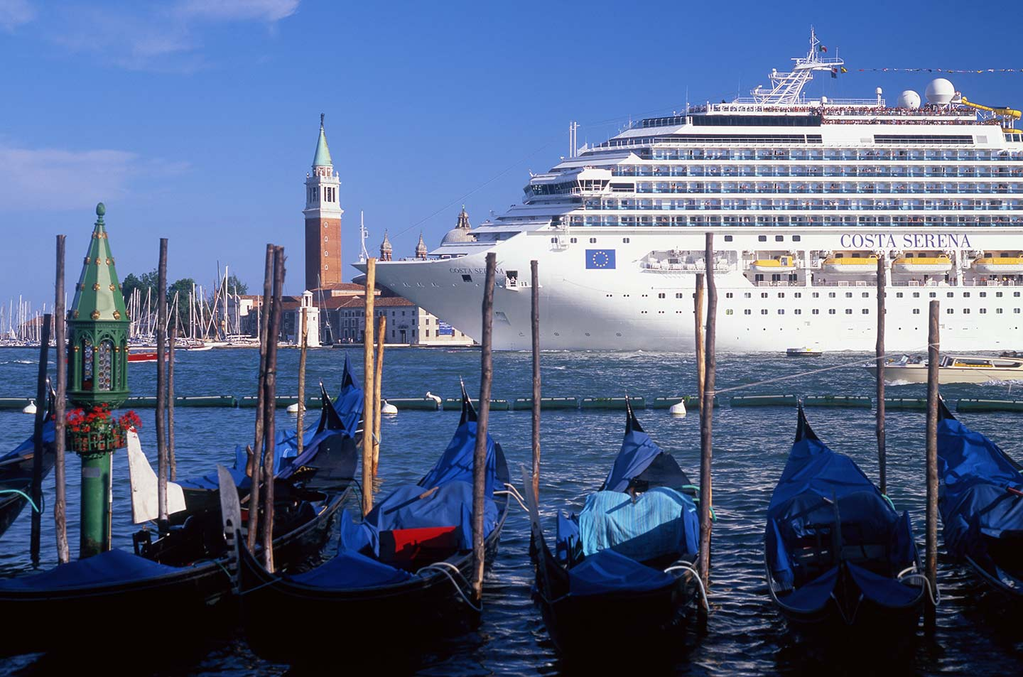Image of cruise ship passing through lagoon in Venice