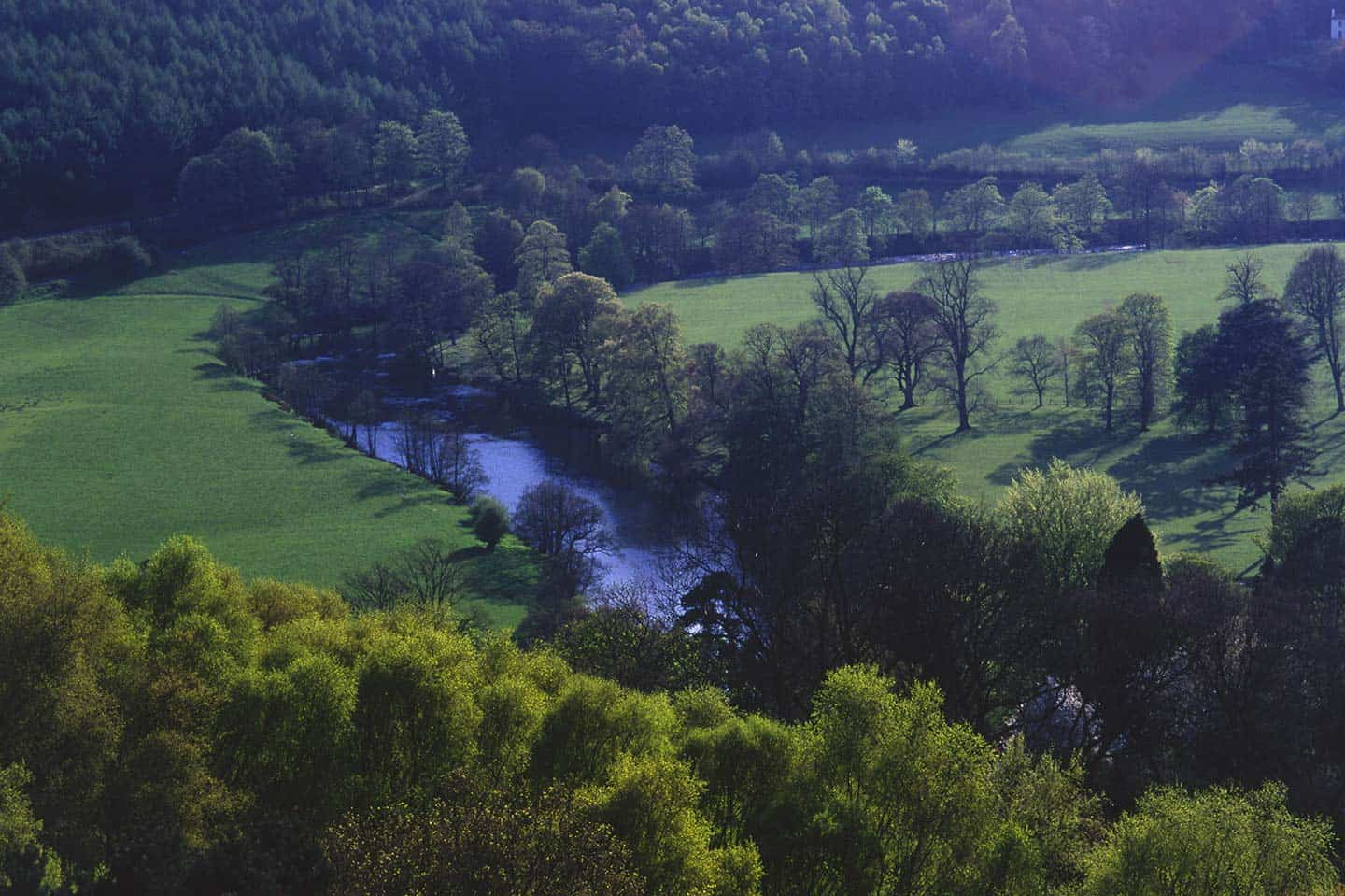 Image of the Dee Valley near Llangollen