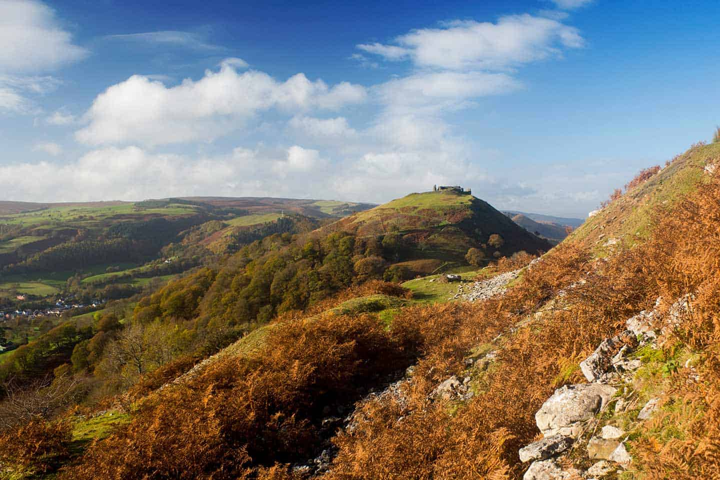 Image of the ruined hilltop Castell Dinas Bran above Llangollen
