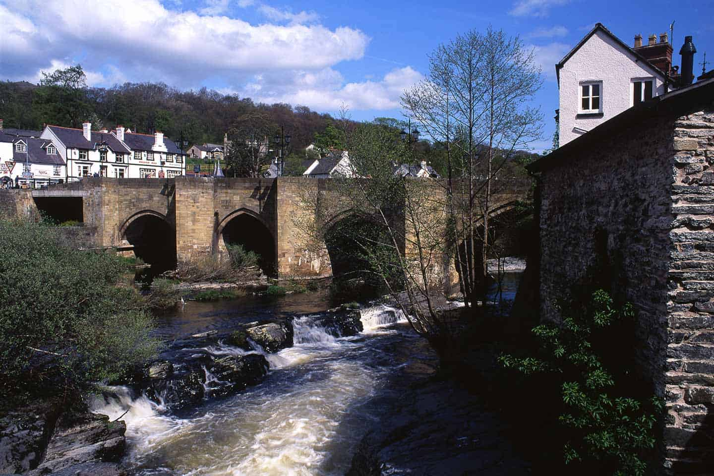 Image of Llangollen Bridge