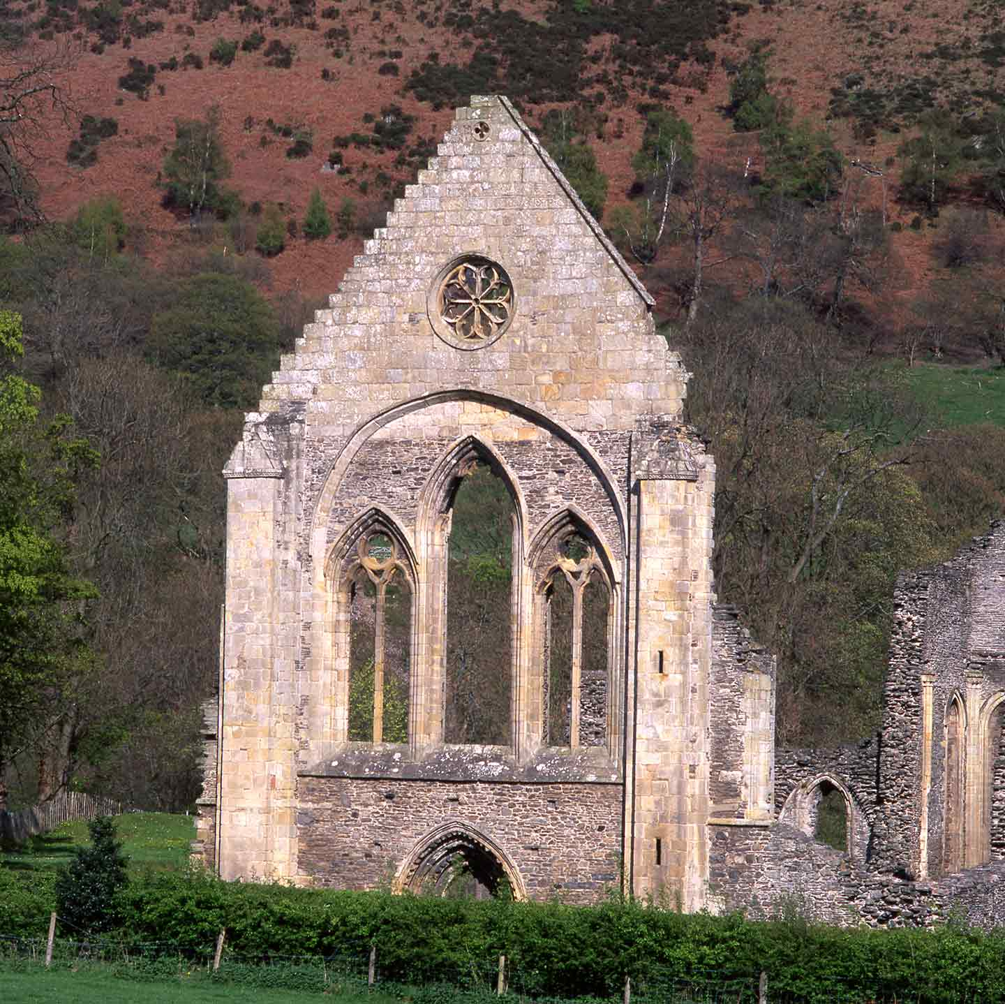 Image of the picturesque ruin of Valle Crucis Abbey, Llangollen