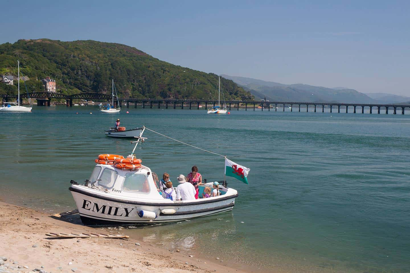 Image of the Barmouth ferry on the river
