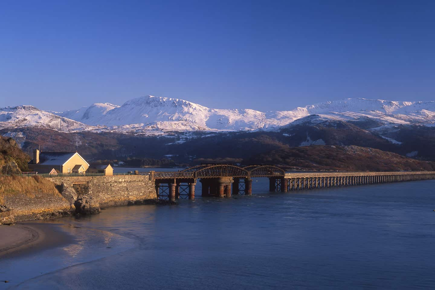 Image of Barmouth Bridge in the snow