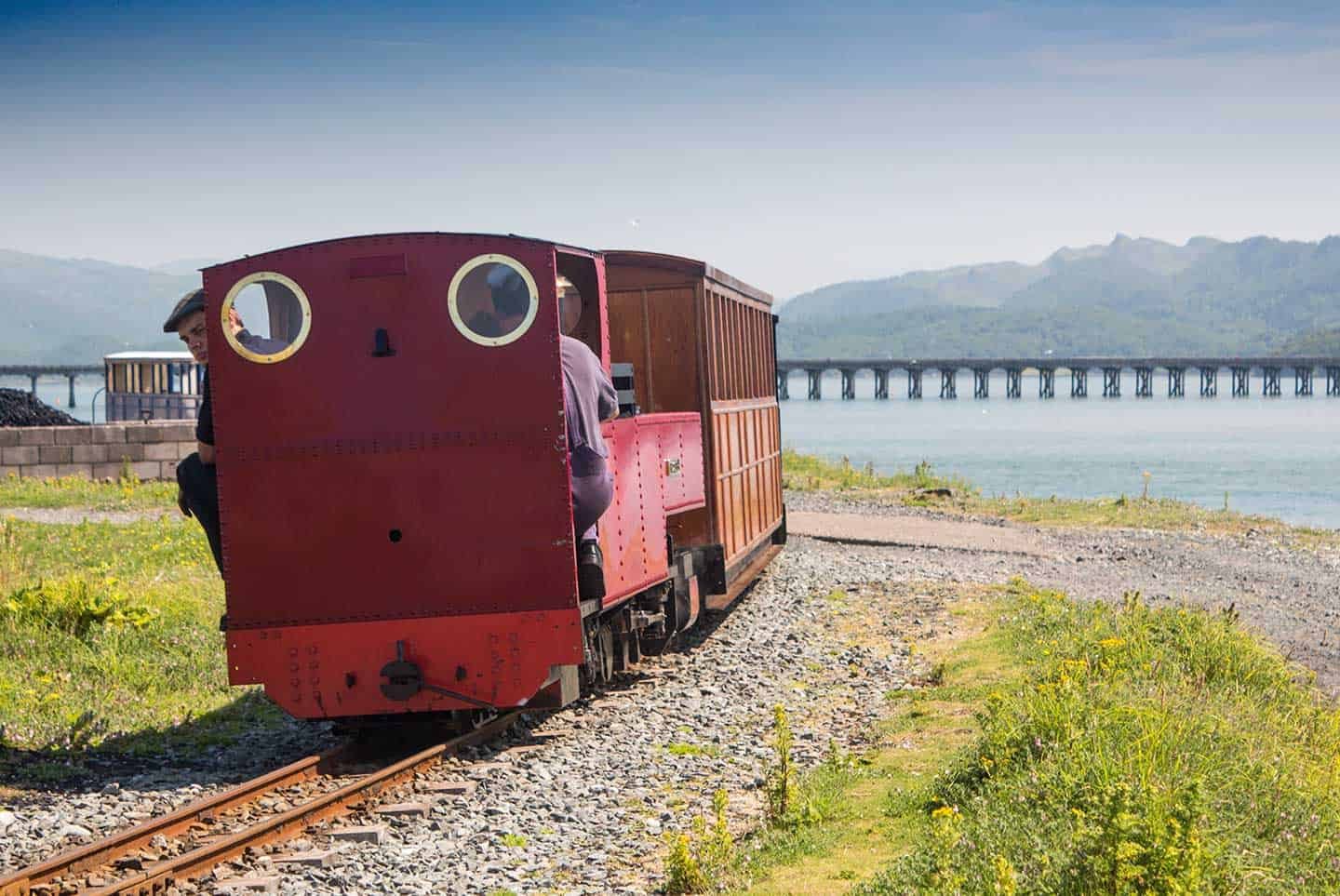 Image of a train on the Fairbourne Railway
