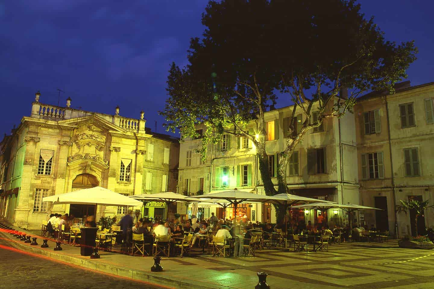 Image of Place Crillon square in Avignon