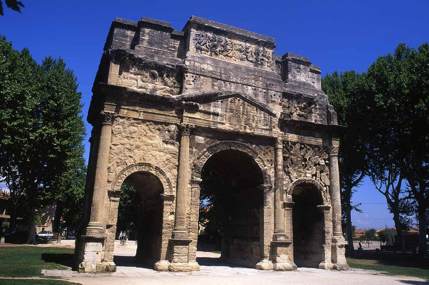 Image of the Roman Arc de Triomphe in Provence, France