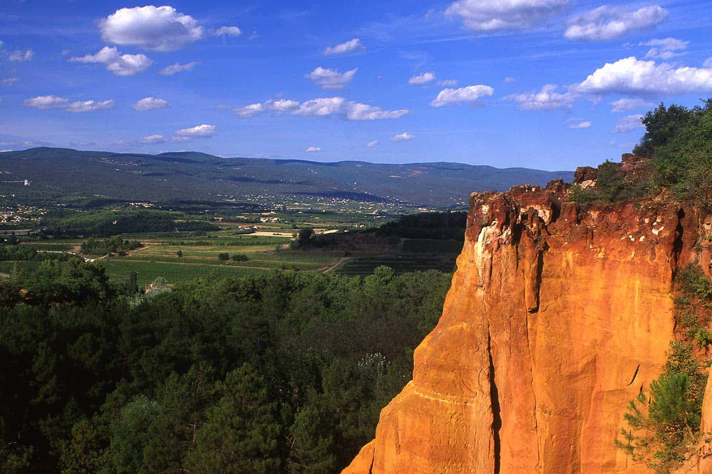 Image of ochre cliffs at Roussillon, Provence