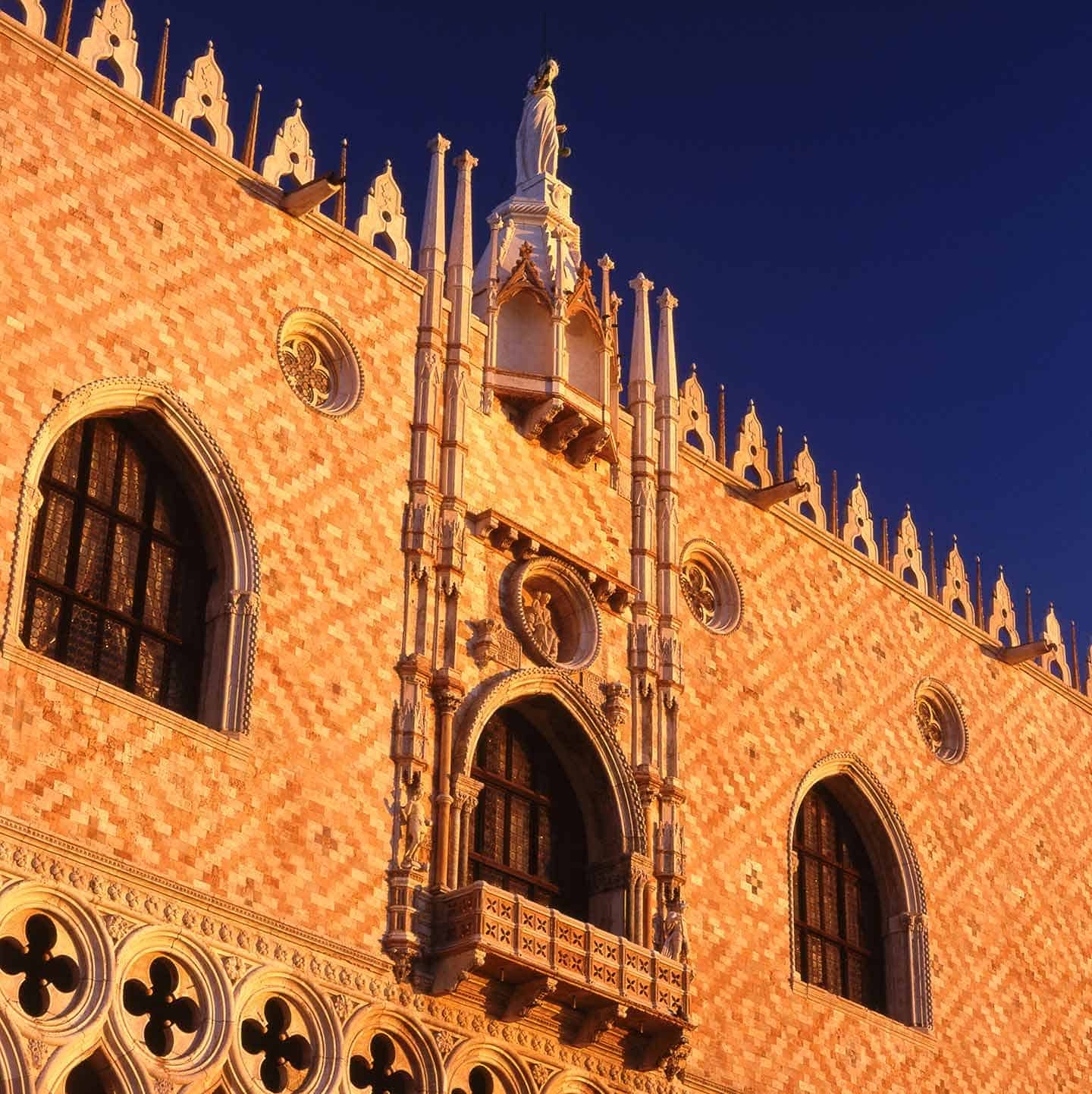 Image of the Doge's Palace Venice at sunrise