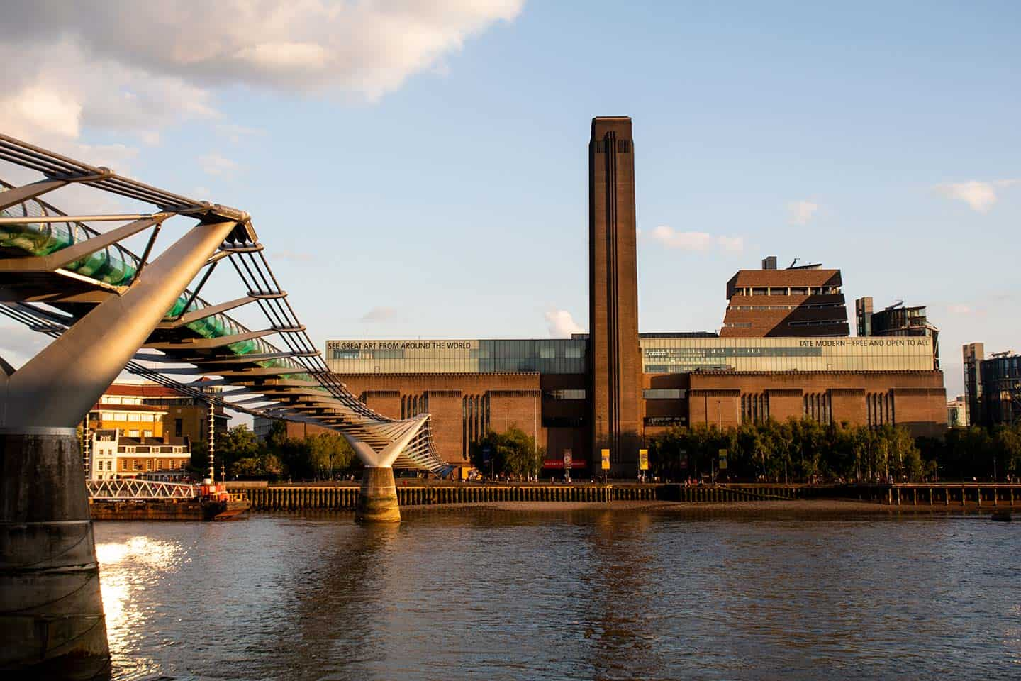 Image of the Millennium Bridge and Tate Modern art gallery, London