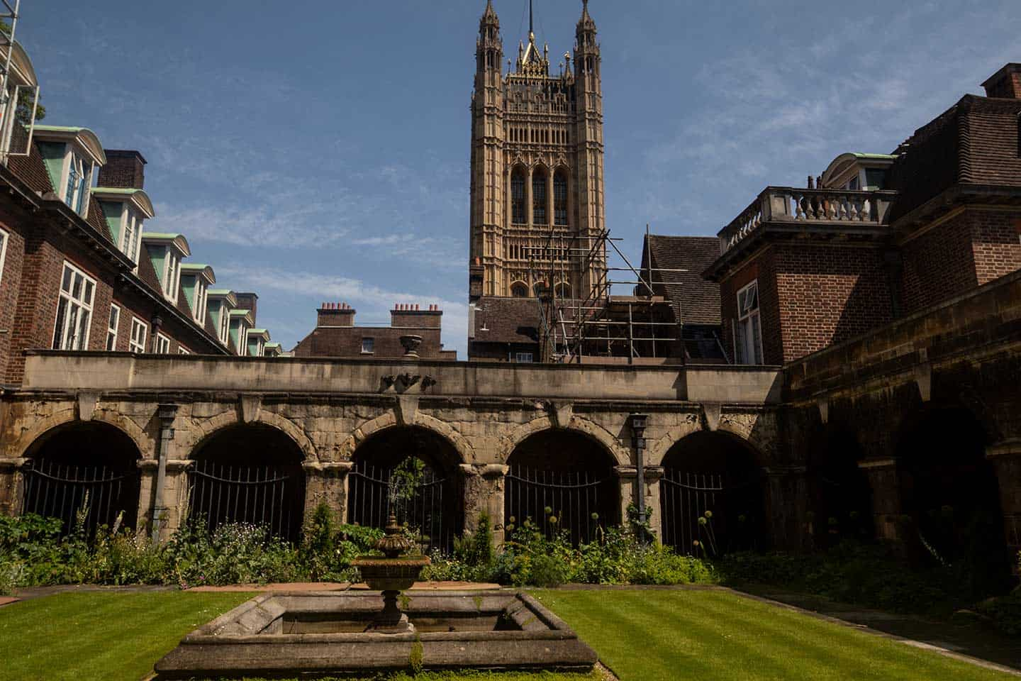 Image of the Little Cloister garden at Westminster Abbey
