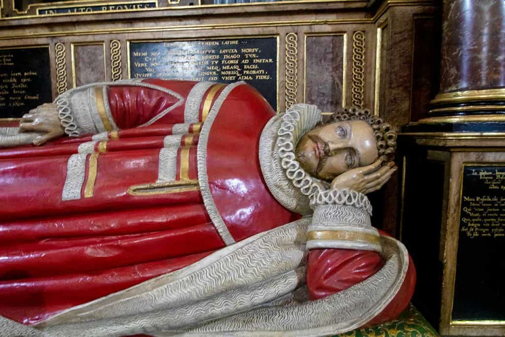 Image of the effigy of John, Lord Russell at Westminster Abbey, London