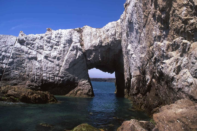 Image of Bwa Gwyn, a natural sea arch near Rhoscolyn, North Wales