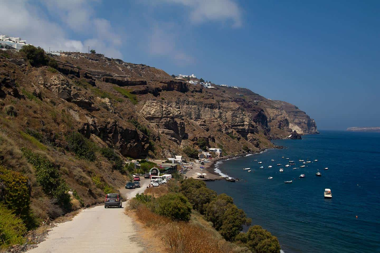 Image of the dirt road leading to Caldera Beach in Santorini Greece
