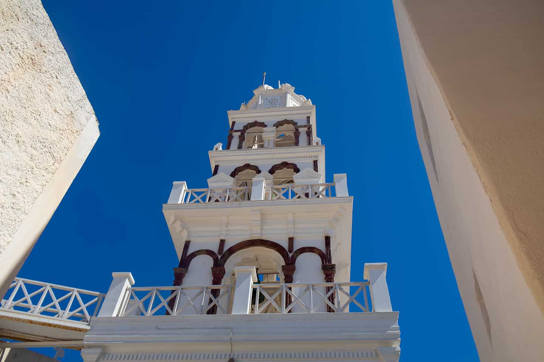 Image of a church tower in Emporio Samtorini