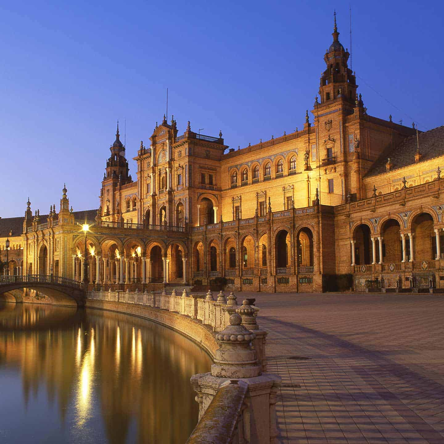 Image of the Plaza de Espana in Seville Spain